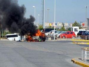 Atatürk Havalimanı'nda LPG'li araç yandı