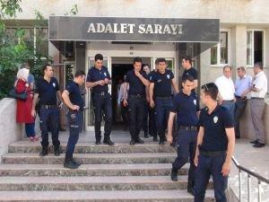 Batman'da 5 subay tutuklandı