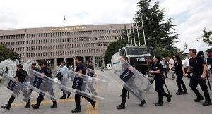 'OHAL, anayasaya ve uluslararası hukuka uygun'