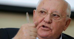 Gorbaçov: 'Bazı güçlerin' dünyayı istikrarsızlaştırmaya çalışıyor