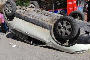 Gasp ettikleri araçla kaçarken kaza yaptılar