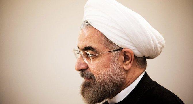 İran'da Ruhani'ye sert eleştiriler