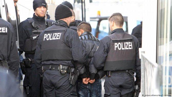 Merkel sığınmacı istemiyor