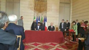 İran,Avrupa'nın en büyük ilaç firmalarıyla anlaşma imzaladı
