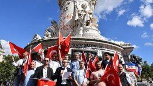 Paris'te FETÖ'nün hain darbe girişimi kınandı
