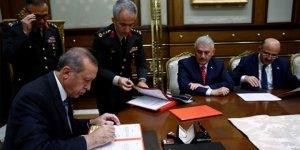 YAŞ'ta general oldu bir gün sonra gözaltına alındı