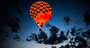ABD'de sıcak hava balonunun düşmesiyle 16 kişi öldü