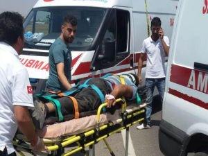 İşçi taşıyan traktör devrildi4 kişi ağır yaralandı