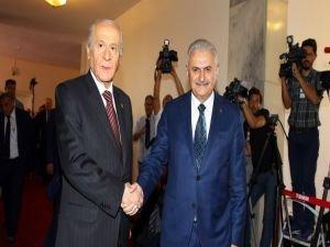 Başbakan Yıldırım , MHP lideri Devlet Bahçeli ile TBMM'de bir araya geldi.