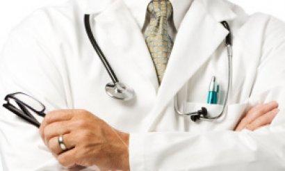 Doktor ve eczacılar 'stratejik personel' oldu