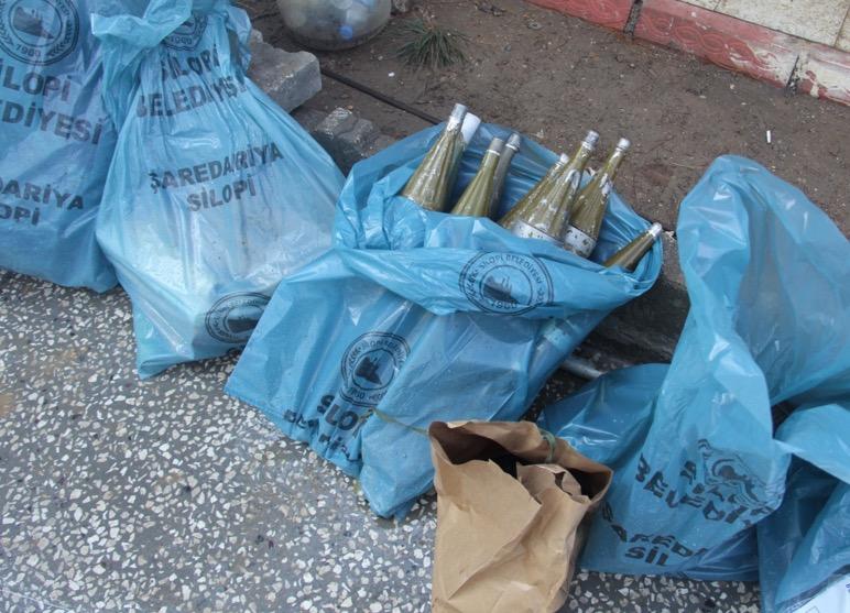 Silopi'de belediye torbalarında mühimmat ele geçirildi