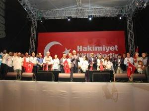"""Taksim Meydanı'nda 4 Farklı Dilde """"Türkiyem"""" seslendirildi!"""