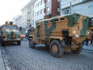 Mardin ve Hakkari'de askere saldırı