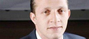 Hürriyet'in FETÖ'cü muhabiri Arda Akın firarda