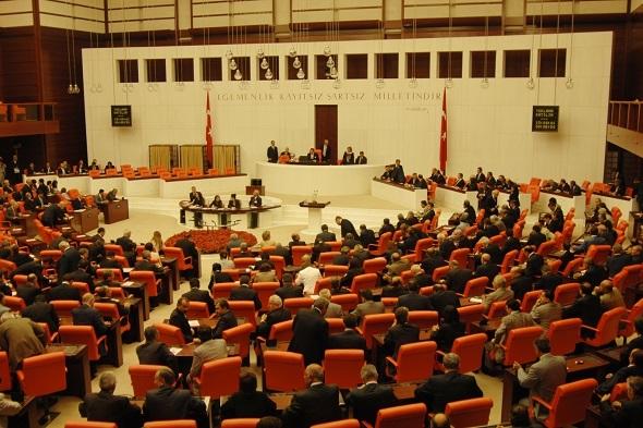 Yeni yıl bütçesi Başbakanlık görevlilerince Meclis'e getirildi