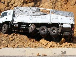 Hakkari'de patlamada kamyon sürücüsü öldü!