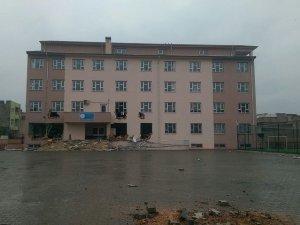 PKK'liler okulu tahrip etti