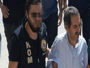 Kapatılan Zaman gazetesinin eski başyazarı Ali Ünal tutuklandı