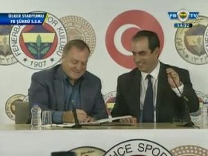 Fenerbahçe, Dick Advocaat ile sözleşme imzaladı