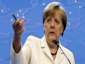 Merkel: Türkiye'deki çatışmalar Almanya'ya taşınmamalı