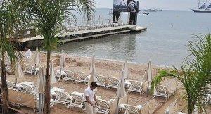Nice'te plajlarda tesettür mayosu yasaklandı