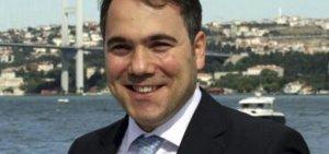 Davutoğlu'nun özel kalem müdürü teslim oldu.