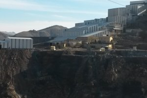 Maden ocağı işçileri bir ay işsiz