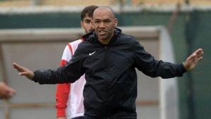 Antalyaspor teknik direktörü beyin kanaması geçirdi