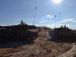 Tank Birlikleri Suriye'ye girdi