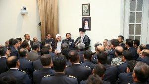 Hamenei: Düşmanların İran'a saldırı gücünü zayıflatma gereğini vurgulaması