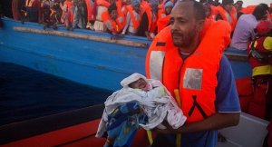 Libya açıklarında 24 saatte 2 binden fazla sığınmacı kurtarıldı