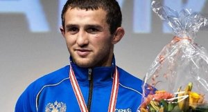 Ölen Rus güreşçinin madalyası geri alındı