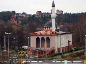 Stocholm'da camiye  İslamofobik saldırı!