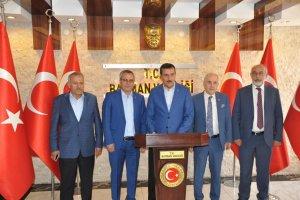 Bakan Tüfenkçi: Türkiye'nin bir kısmını Esad rejimine feda edenler...