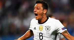 Mesut Özil, Almanya aktif oyuncular arasında zirveye çıktı