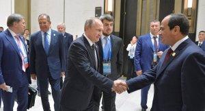 Sisi'den Putin'e: Ekonomik işbirliğine çok değer veriyoruz