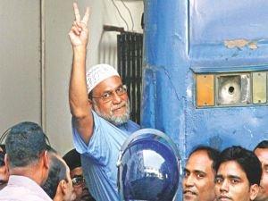 Bangladeş'te Alim Değil Alem Öldü