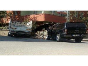 Batman Valiliği koruma aracı kaza yaptı
