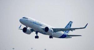 Airbus, Hollande ile anlaştı: Fransa'ya 40 yolcu uçağı satacak