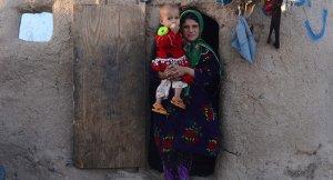 Afganistan'da üç kız çocuğundan biri ergenliğe ulaşmadan evlendiriliyor