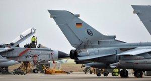 Alman Savunma Bakanı: İncirlik ziyareti ertelenmeyecek