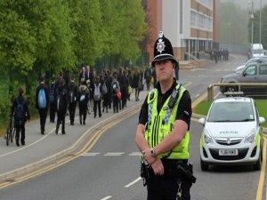 İngiltere polisi de 'tükürük başlığı' uygulamasına geçiyor