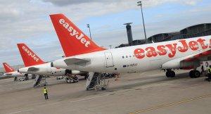 Engelli yolcu, easyJet uçağından atıldı