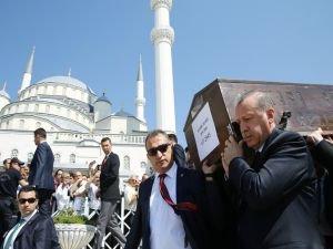 Cumhurbaşkanı Erdoğan, Temel'in cenazesine katıldı