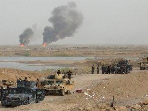 Irak ordusu IŞİD mevzilerini vurdu: 100'den fazla ölü