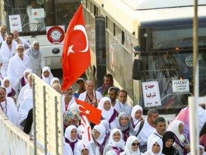 Türk hacı adayları kutsal toprak Arafat'ta