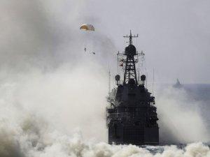 Rusya'dan Kırım ayağında görsel şölen