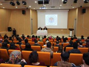 Batman Üniversitesi'nde Yeni anayasa çalışmaları tartışıldı