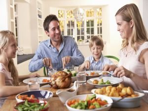Kurban Bayramı'nda Et ve Tatlı Yiyerek Dengeli Beslenme!