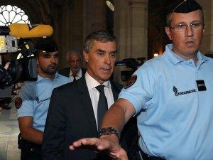 İstifa eden Fransız bakana yolsuzluktan 3 yıl hapis istendi